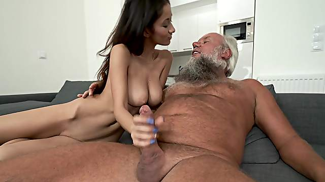 Busty Mom Rides The Full Cock In A Perfect Pov - Hell Moms-2718